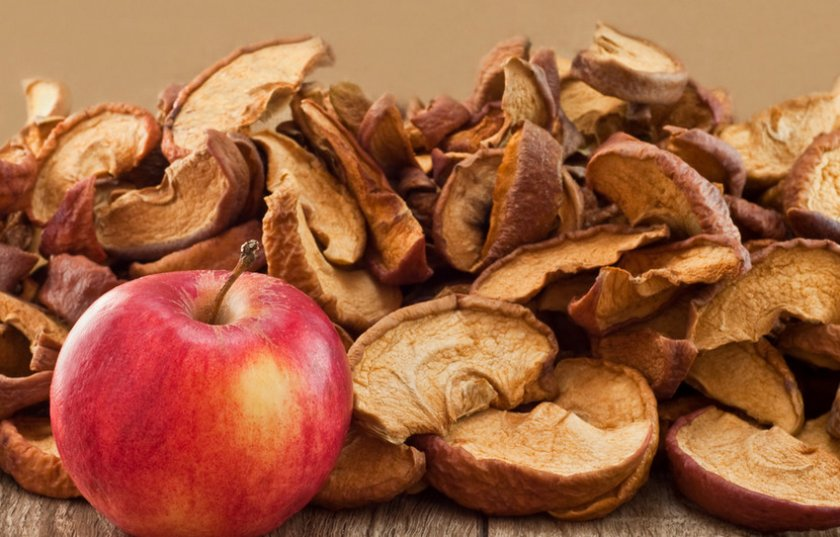 Как правильно хранить сушеные яблоки в домашних условиях на зиму