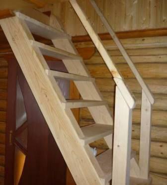 Даже небольшая лестница, установленная своими силами, позволяет гордиться собой