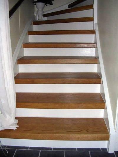 Деревянные ступени на бетонную лестницу в виде накладных проступей