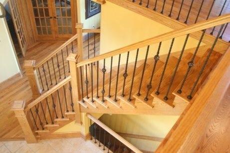 Интерьер прихожей с лестницей в частном доме – «рецепты» уютной обстановки