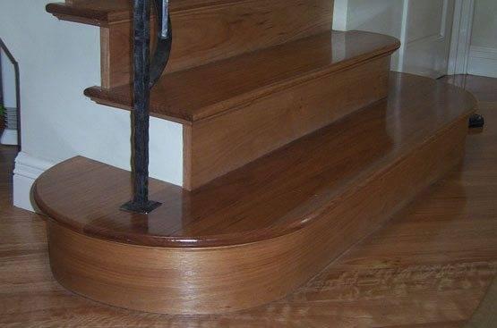Дугообразная ступенька может использоваться только в основании конструкции