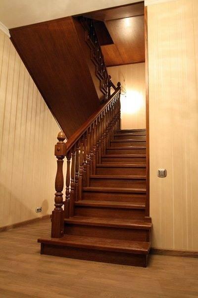 Двумаршевые лестницы из дерева