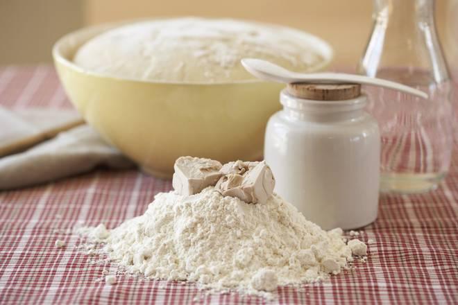 Можно ли хранить дрожжевое тесто в холодильнике и сколько