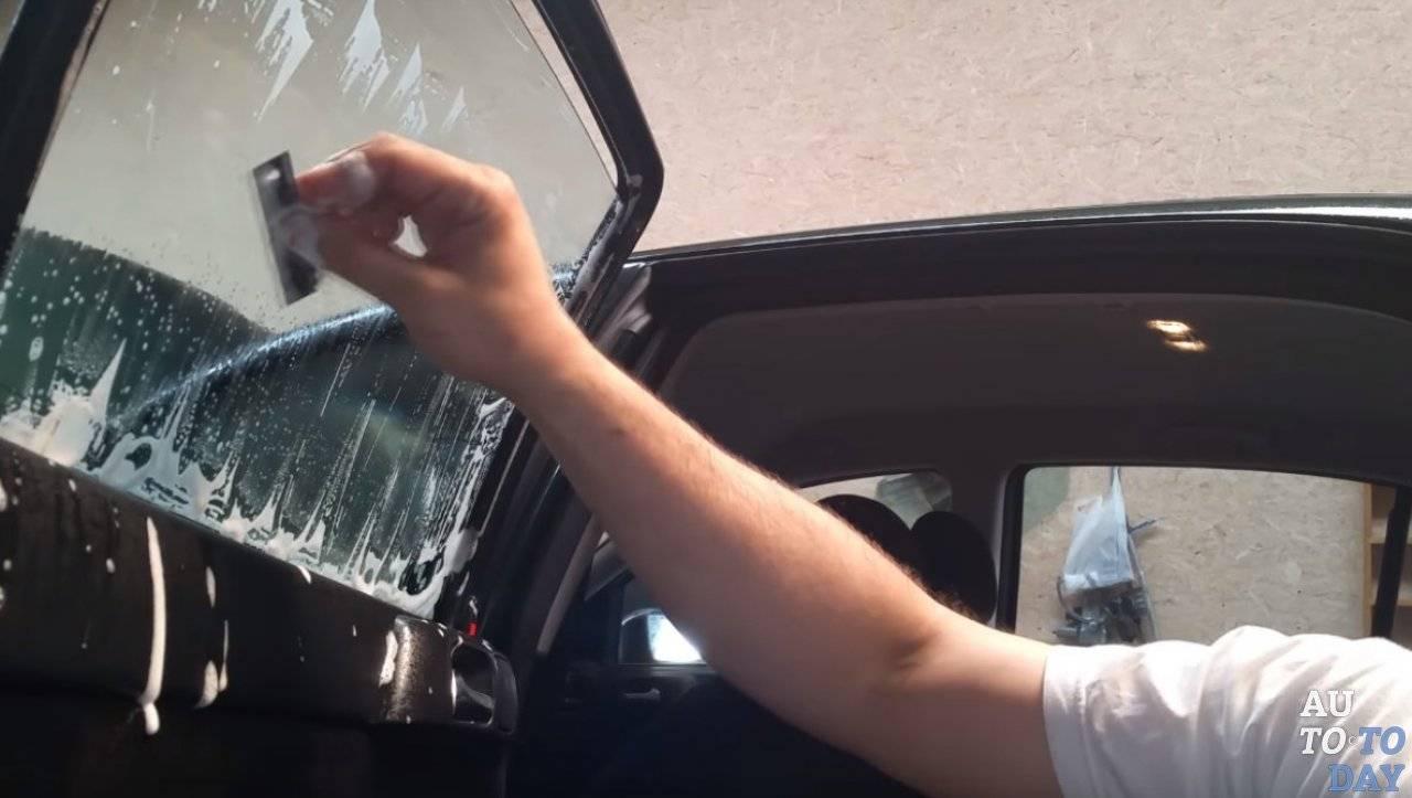 О том, как делать тонировку своими руками (видео-инструкция)