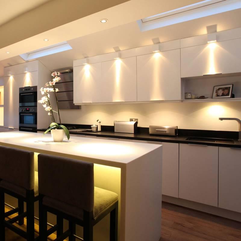 Всё о точечном освещении на кухне