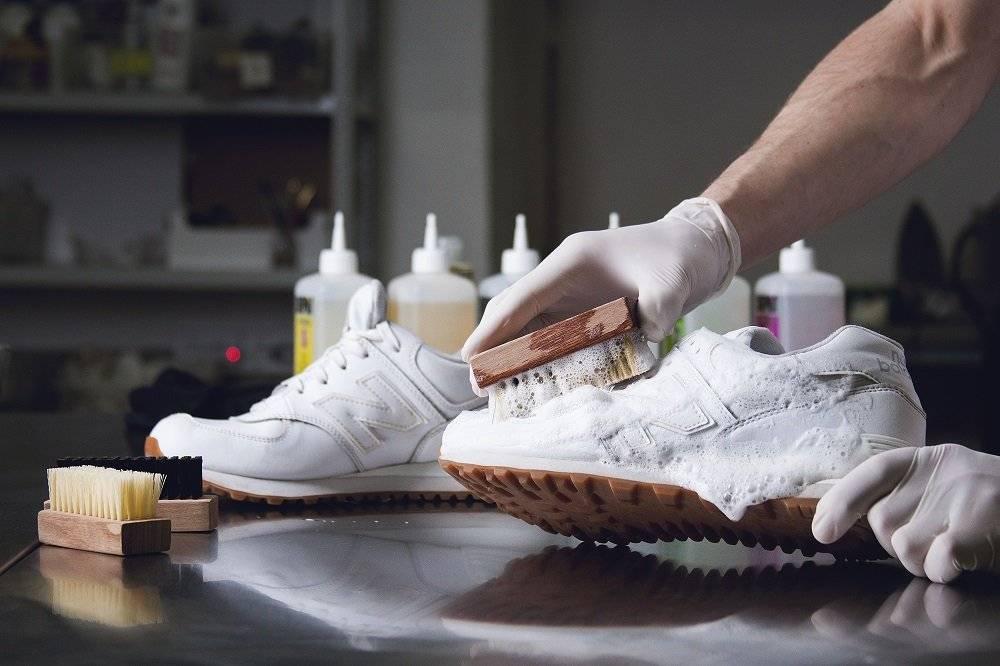 Как очистить белую подошву в домашних условиях