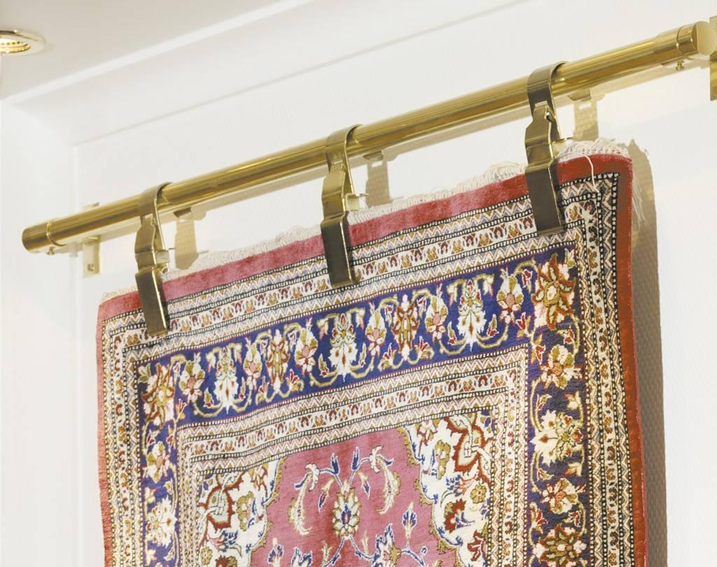 Приспособление для подвешивания ковров фото