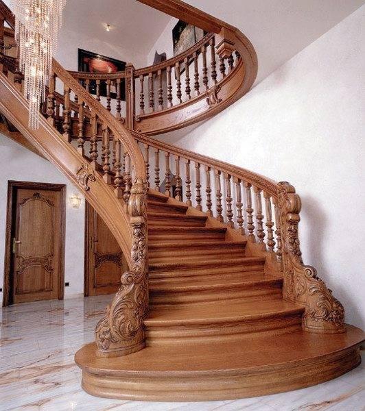 Ее «величество» – дворцовая лестница!