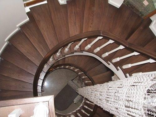 Если правильно рассчитать количество ступеней, то и подниматься по такой лестнице будет удобно