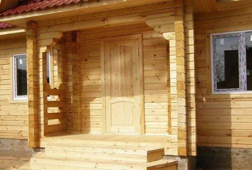 Эстетичная система деревянных ступеней.