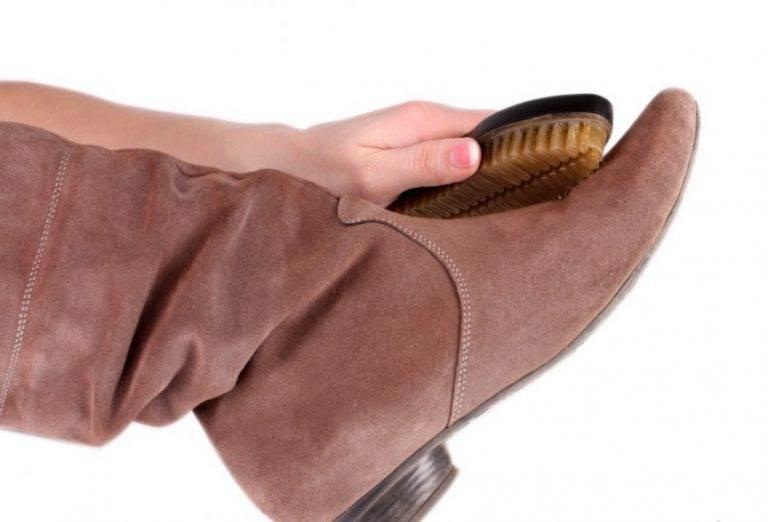 Как легко и безопасно почистить замшевую обувь, лучшие средства