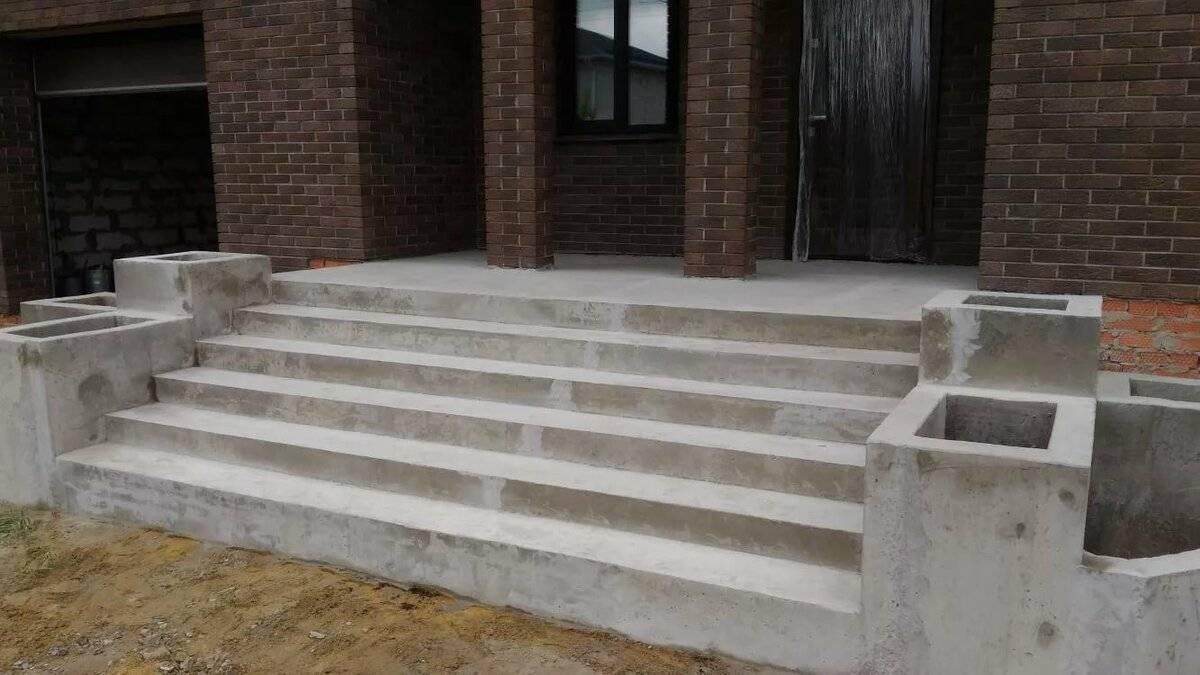 Как сделать крыльцо из бетона своими руками: проект, возведение, инструменты и материалы, подготовка фундамента, установка опалубки и заливка