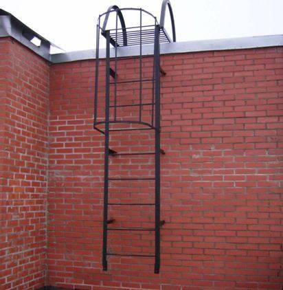 Форма, размеры и материалы пожарной лестницы должны быть рассчитаны еще на стадии проекта сооружения