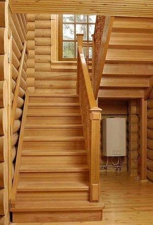 Фото деревянной лестницы на второй этаж