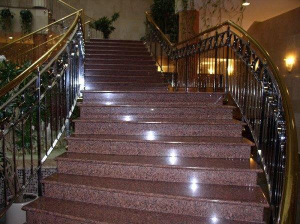 Фото лестницы и ступеней из гранита