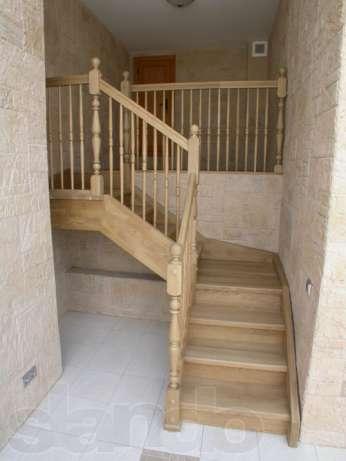 Фото недорогой лестницы из дерева