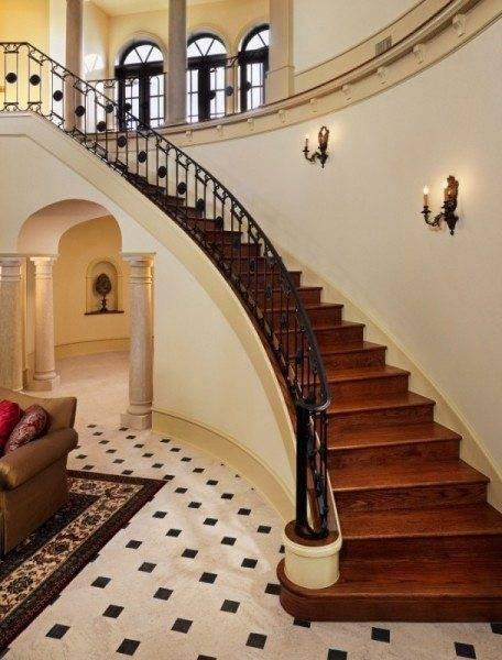 Хромированные лестницы в элитном доме