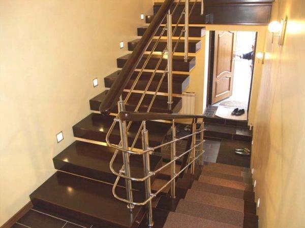 Доступный и экономичный вариант освещения лестницы