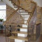 Интерьерная лестница в доме