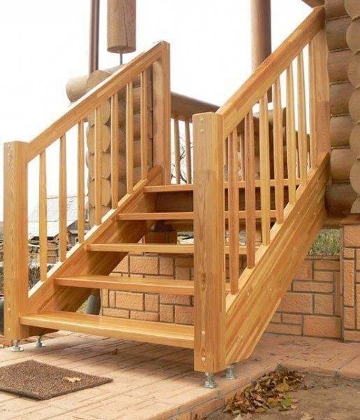 Из дерева обычно устраиваются облегченные конструкции