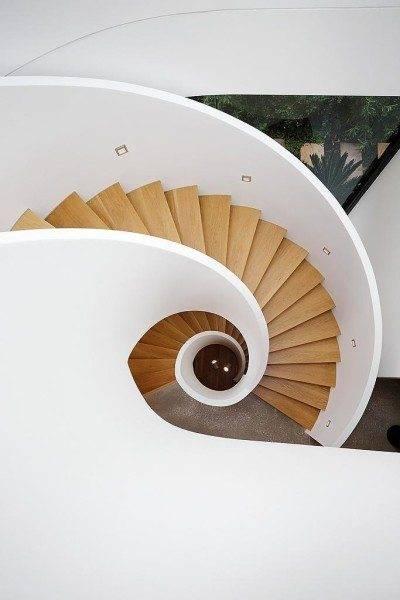 Какая лестница будет в вашем доме - зависит только от вашей фантазии