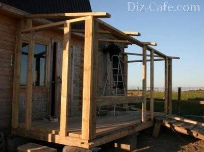 Каркас будущей веранды – гармоничное продолжение деревянного дома