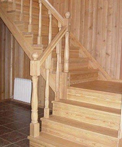 Классическая маршевая лестница.