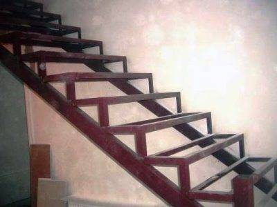 Конструкция на двух опорных балках