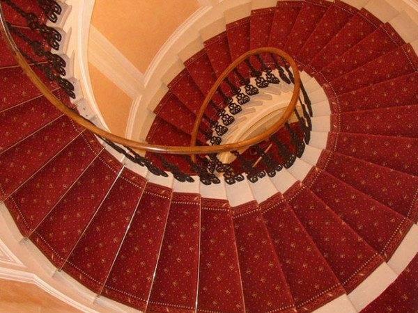 Плитка для лестничных ступеней: выбор, нюансы и рекомендации