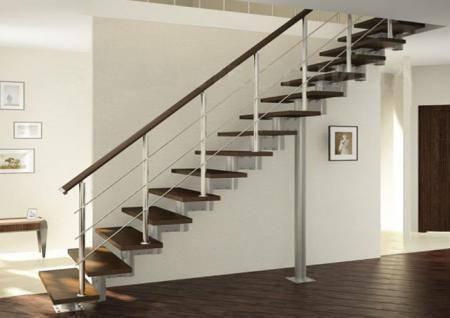 Крепление лестниц должно точно соответствовать её дизайну, хотя на переднем плане всё-таки остаётся надёжность всей конструкции. В этом умение совместить две стихии – изящество и надежность и состоит главное мастерство
