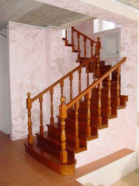 Лестница и перила из полированного дуба
