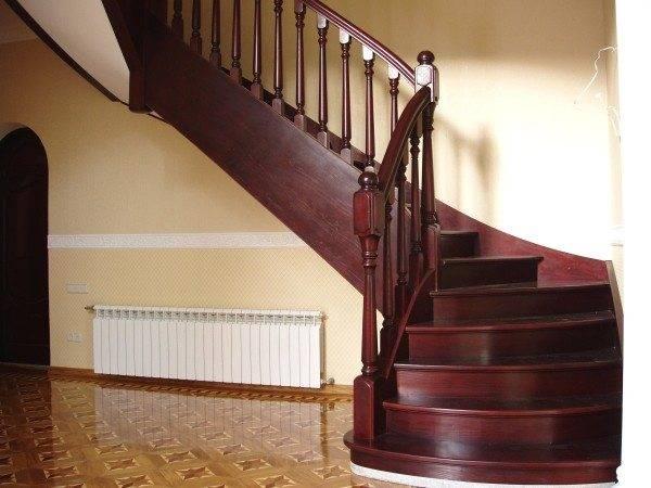 Лестница с безопасным углом наклона
