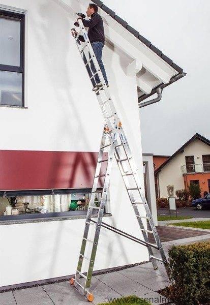 Любительское фото монтажа, с использованием лестницы
