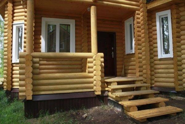 Любительское фото типового крыльца для деревянного дома