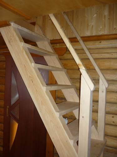 На фото типичный и наглядный пример лестницы своими руками – конструкция и ход работы читается, уже просто глядя на результат