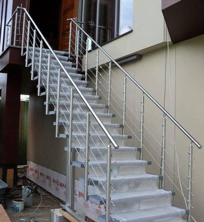 Наружная модульная лестница для дачи