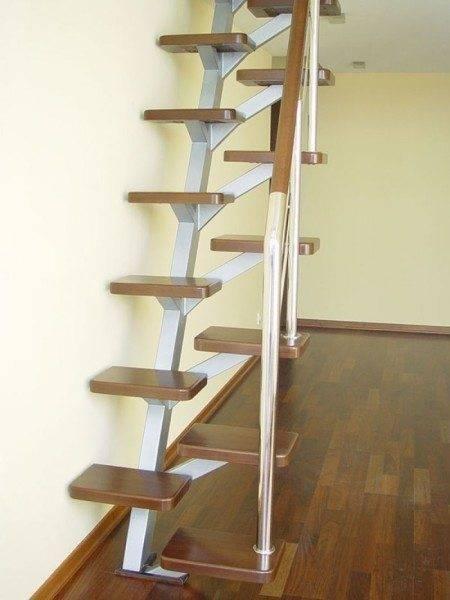 Оригинальное исполнение лестницы на фото