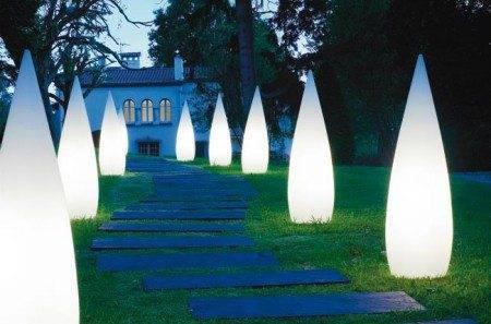 Оригинальной лестнице – оригинальный световой дизайн
