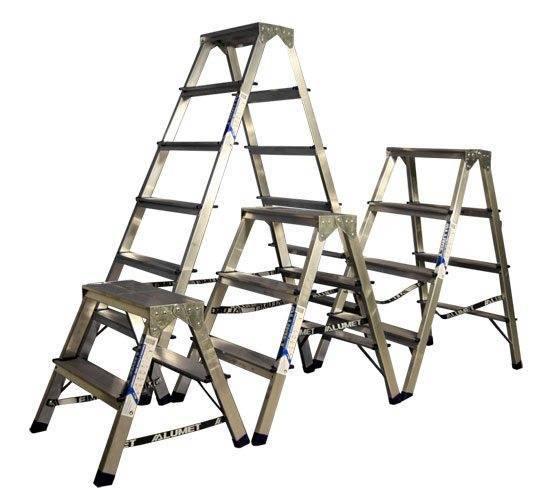 Основной критерий выбора – высота стремянки, которая определяется количеством ступеней