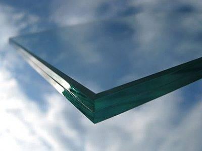 Особое стекло для ступеней – залог безопасности