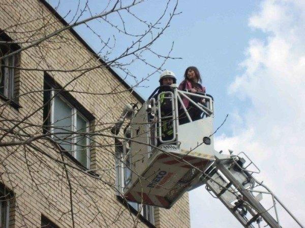 Пожарная автолестница в процессе эксплуатации