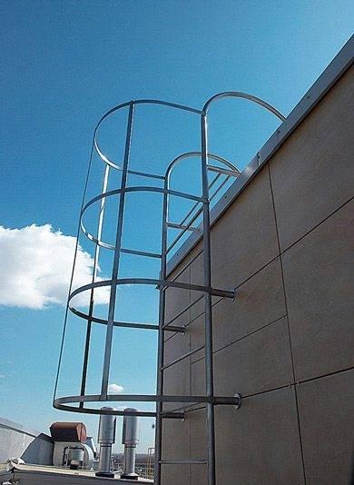 Промышленная пожарная лестница.