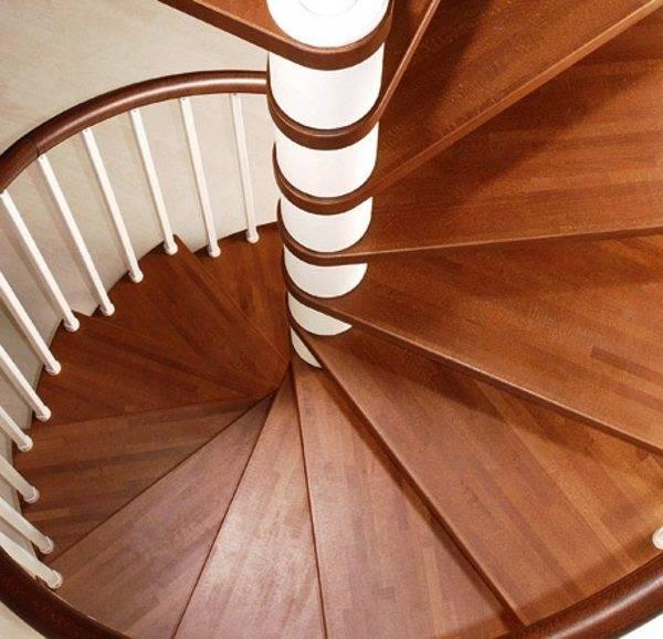 Лестница Утиный шаг – особенности конструкции