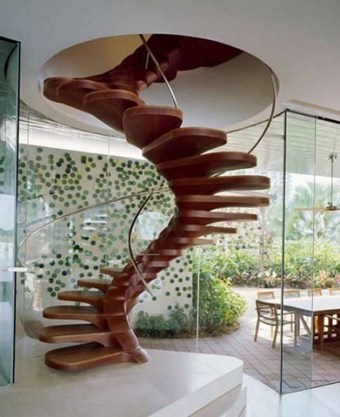 Спиральные и винтовые конструкции особенно неудобны и опасны.