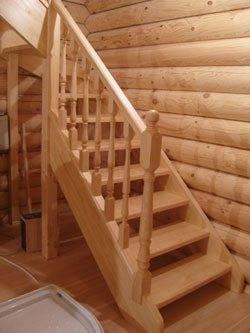 Такую лестницу можно собрать и самостоятельно.