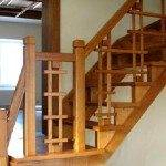 Вариант ограждения деревянной лестницы