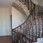 Вариант отделки бетонной лестницы