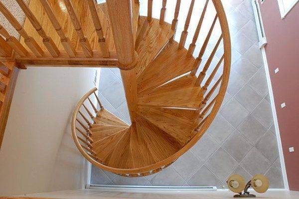 Винтовая деревянная конструкция
