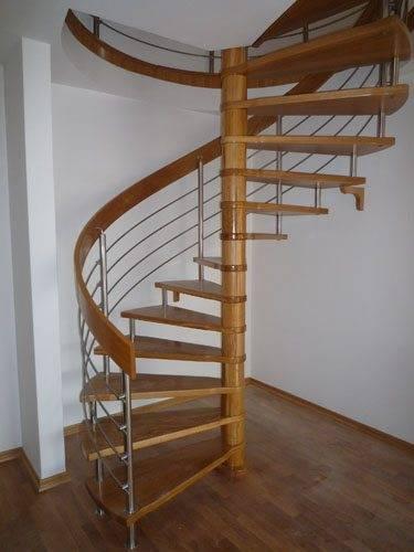 Винтовая конструкция лестницы – очень оригинальное решение