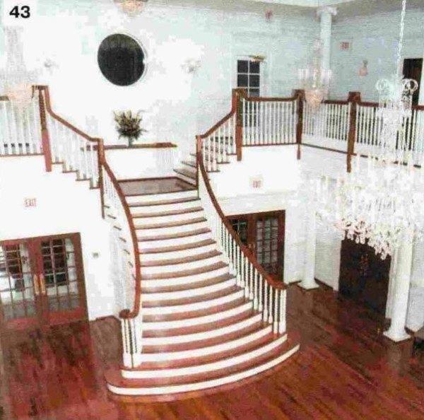 Внешний вид лестницы должен вписываться в интерьер всего помещения